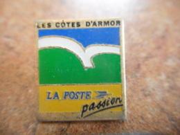 A040 -- Pin's Poste Les Cotes D'Armor - Post