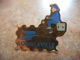 A040 -- Pin's Poste Longlaville - Postes