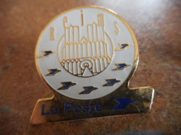 A040 -- Pin's Poste Reims - Postes
