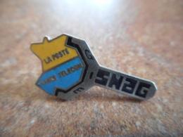 A040 -- Pin's Poste SNAG - Postes