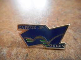 A040 -- Pin's Poste Vosges - Postes