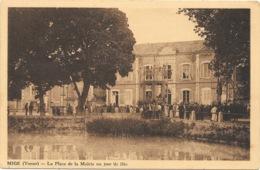 Migé NA3: La Place De La Mairie Un Jour De Fête - Autres Communes