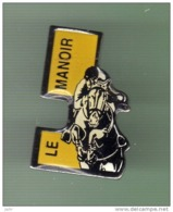EQUITATION *** LE MANOIR *** 1047 - Pin's