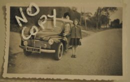 Automobile Photographie Renault 4 Chevaux Avec Femme Fille Immatriculation Lot Et Garonne - Automobiles