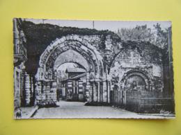 IVRY LA BATAILLE. Le Portail De L'Ancienne Abbaye. - Ivry-la-Bataille