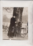 OURS OSO BEAR  LADIES STRANGE PET MISS SONIA AND HER PET ANIMAUX ANIMALS ANIMALES  21*16CM Fonds Victor FORBIN 1864-1947 - Sin Clasificación