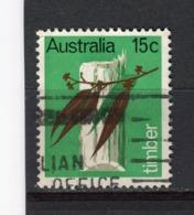 AUSTRALIE - Y&T N° 389° - Industrie Du Bois - 1966-79 Elizabeth II