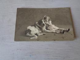 Enfant ( 3291 )  Kind  Fille  Fillette  Chien  Hond - Sonstige