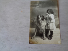 Enfant ( 3297 )  Kind  Fille  Fillette  Chien  Hond - Sonstige