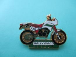 Pins Arthus Bertrand , Moto Peugeot , Hollywood - Arthus Bertrand
