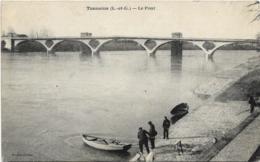 D47 - TONNEINS - LE PONT - Plusieurs Personnes - Barques - Tonneins