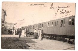 BERCK LA GARE AU DEPART DU TRAIN  TRES ANIMEE - Berck