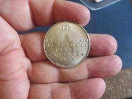 Medaille Suisse,je Pense En ARGENT ,mais Pas Sur - Tokens & Medals