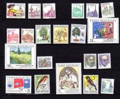 Tchéquie 1993-94, Villes, Peintures, Oiseaux, Entre 14 Et 49**(séries Et Dépareillés), Cote 25,30 € - Neufs