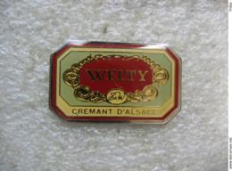 Pin's Etiquette De Crémant D'Alsace WELTY - Boissons