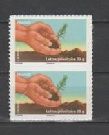 """FRANCE / 2011 / Y&T N° AA 526A ** : """"Terre"""" (Jeune Plant D'arbre) De Feuille - Variété """"traits Au Poignet) Tàn - Errors & Oddities"""