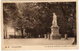 AVRANCHES - La Statue De Valhubert Et L'Allée Des Tilleuls - Avranches