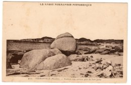 FERMANVILLE - Rochers Très Curitus Près Du Fort Jorey - Frankrijk
