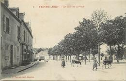 - Allier -ref-C473- Yzeure - Un Coin De La Place - Coiffeur- Café - Vachères Et Vaches - Carte Bon Etat - - Autres Communes