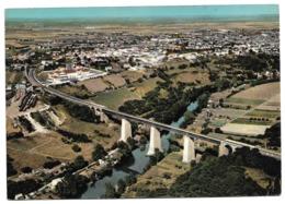 Cpsm 79 Thouars Vue Aérienne - Le Viaduc Surplombant Le Thouet - Au Second Plan, Les Abattoirs Municipaux - Thouars