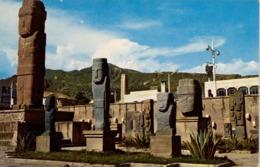 BOLIVIA , TARJETA POSTAL NO CIRCULADA ,  TEMPLETE TIAHUANACO - LA PAZ , ARQUEOLOGIA - Bolivie
