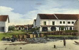 Malay Malaysia, LABUAN BORNEO, Cargo Workers, Houses (1910s) Postcard - Malaysia