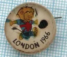 USSR / Badge / Soviet Union / UKRAINE / Football. FIFA Cup World Championship . London. England. Lev. Flag. 1966. - Fútbol