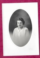 Grande PHOTO 16 X 10,5 Cm Des Années 1930...FEMME ( PIN UP) ..fonds Photographe Bourgault à Flers (Orne 61) - Pin-up