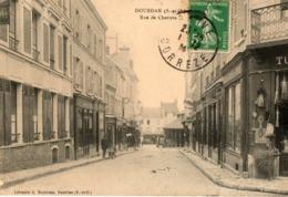 91. CPA. DOURDAN.  Rue De Chartres, 1914. - Dourdan