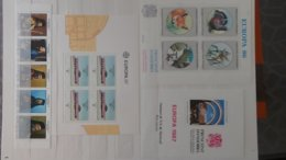 Plus De 140 Blocs, Bandes, Carnets ** + Timbres De Différents Pays. A Saisir !!! - Stamps