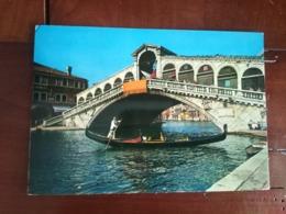 Venise - Pont De Rialto Et Gondole - Venezia