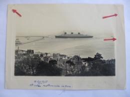 Le Havre. Photo De L'entrée Du Paquebot Normandie Au Havre. 11 Mai 1935. Atelier Gilbert Fernez. - Bateaux