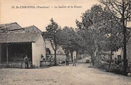 CPA SAINT-CHRISTOL (Vaucluse) - Le Lavoir Et Le Cours - Saint Christol
