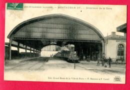 CPA (Réf : Y471) MONTAUBAN (82 TARN-et-GARONNE) Intérieur De La Gare (animée, Locomotive à Vapeur) - Montauban