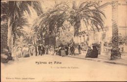 Var, Hyeres, La Sortie Du Casino      (bon Etat) - Hyeres
