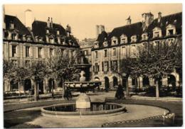 Paris - La Place Des Vosges - District 03