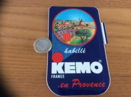 AUTOCOLLANT, Sticker «KEMO FRANCE - Habillé En Provence» (blason, Vêtement) - Autocollants