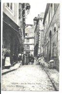 VANNES - Rue Des Halles - Animée - Au Fond: Café Du Théâtre ( Hélard éditeur Vers 1907) - Vannes
