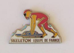 1 Pin's SPORT HIVER - SKELETON EQUIPE DE FRANCE Signé ARTHUS BERTRAND PARIS N°232 - Sports D'hiver