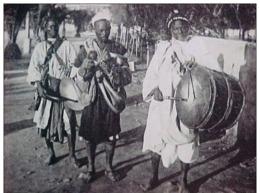 Cpa SOUDAN , MUSICIENS DANSEURS SOUDANAIS , Instruments Musique , 1945  SUDANESE MUSICIANS  & DANCERS OLD PC - Sudan