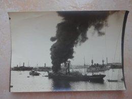 Photo Bateau En Train De Bruler - Incendie - A Identifier - Schiffe