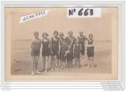 3930 AK/PC/CARTE PHOTO/663/GROUPE FAMILLE A LA PLAGE A IDENTIFIER/1919 - Cartoline