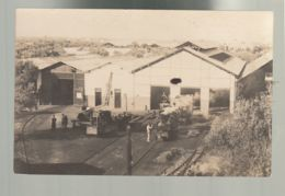 CPA (Tr.) Locomotive, Matériel Férroviaire - Ateliers De Réparation (?) Carte Photo Non Datée, Non Située - Equipo