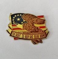 Pin's Aigle Drapeau USA - RE/01 - Autres