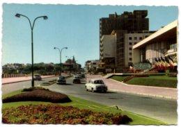 Royan - Avenue De Pontaillac Et Palais Des Congrès Vus De La Façade De Foncillon - Royan