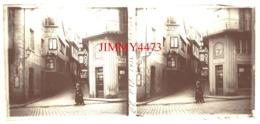 Plaque De Verre En Stéréo - Rue Bien Animée En 1932 - MORLAIX 29 Finistère - Taille 58 X 128 Mlls - Plaques De Verre