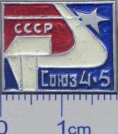 118 Space Soviet Russia Pin. Spaceships SOYUZ-4,5 - First Orbital Station - Space