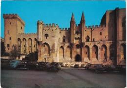 Avignon: PEUGEOT 203, 403, SIMCA 6, OPEL REKORD P1, CITROËN DS, RENAULT 4CV - Palais Des Papes - Toerisme