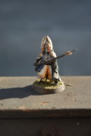 Rare Figurine Peinte En Métal Soldat à La Lance - Small Figures