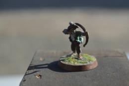 Rare  Figurine Métal Petit  Archer - Figurines
